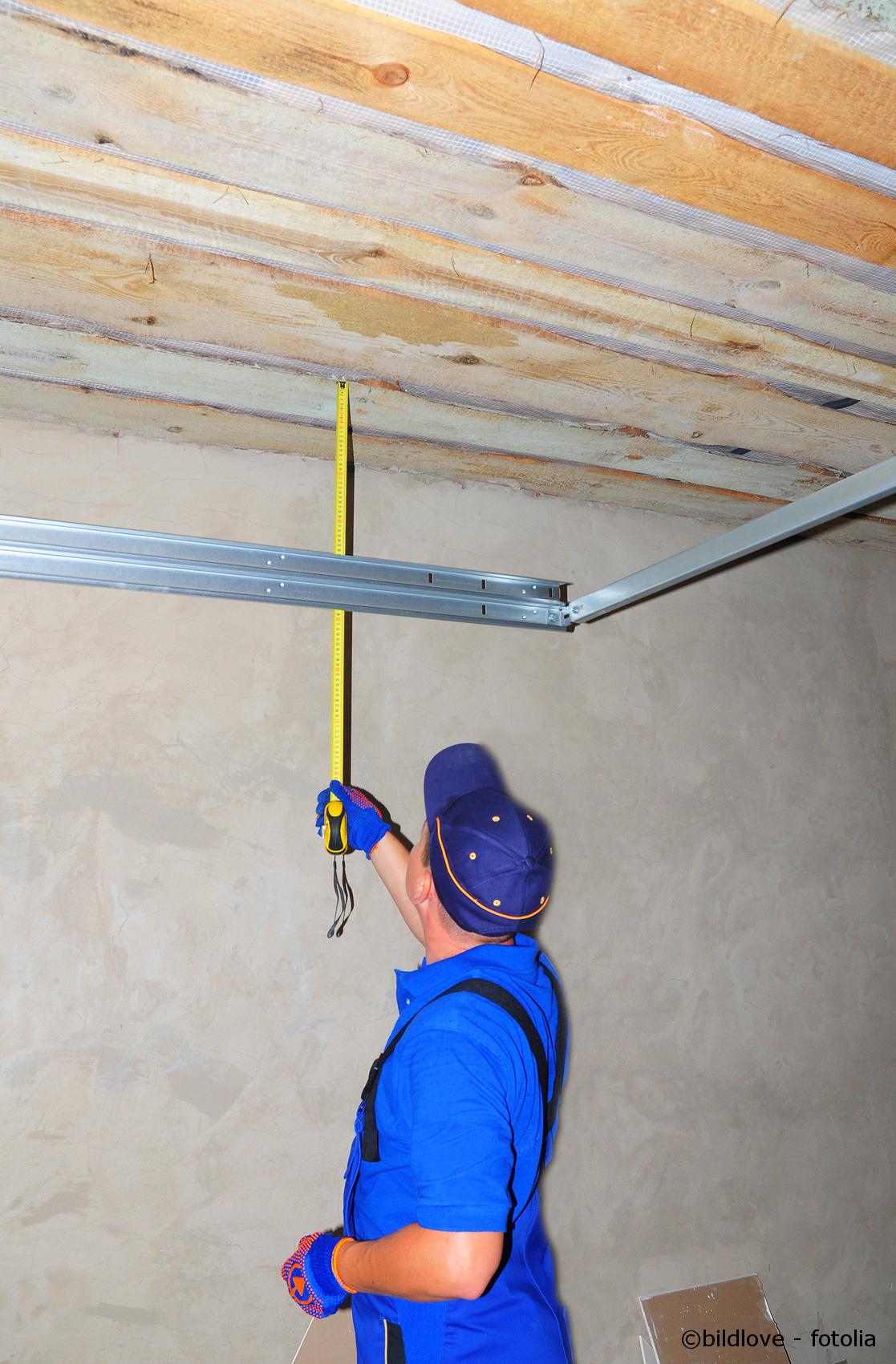 Garagentor Einbauen Handwerker Turen Und Fenster
