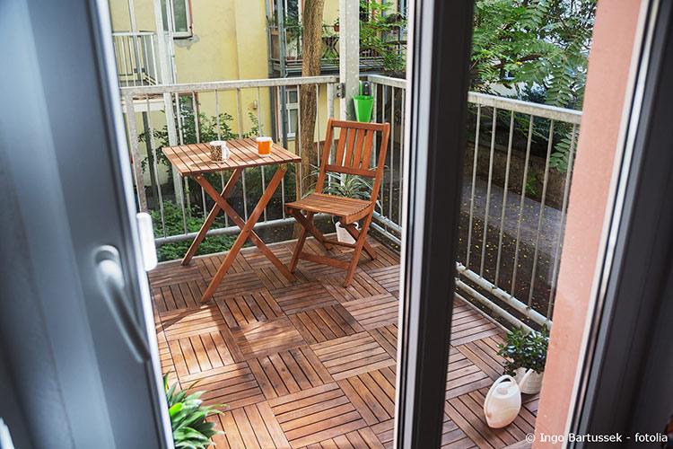 Hervorragend Sie Bietet Einen Blick Auf Die Umgebung Und Lässt Licht Ins Haus Einfallen.  Im Anschluss Informieren Wir über Die Formen Von Balkontüren Und Welche  Aspekte ...
