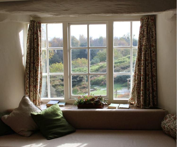 Tageslicht durch die perfekten Fenster lässt jedes Zuhause in einem besonderen Glanz erscheinen.