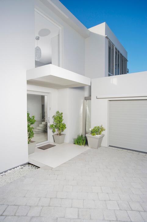 Vordach und Hauseingang
